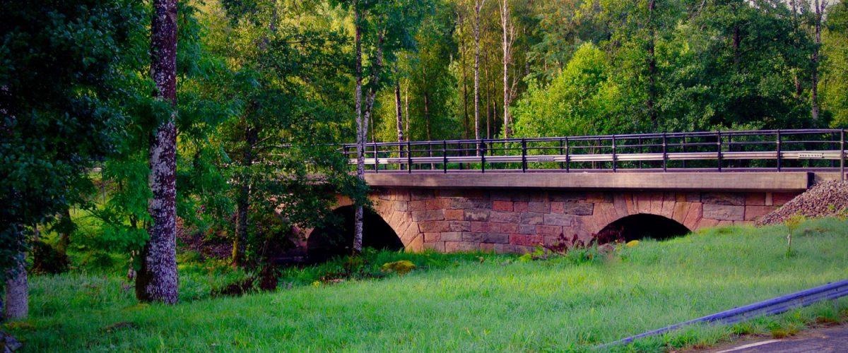 Nitta bron